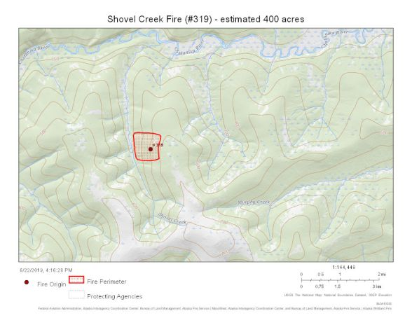 Map shows Shovel Creek Fire perimeter in red against a green background. The perimeter is between 7 Mile Trail and Shovel Creek, south of the Chatanika River and north of Murphy Dome.