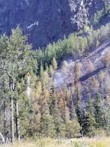 This photo shows the steep terrain the Crow Pass Fire is burning in near the Crow Pass Trail east of Anchorage in Chugach State Park. Photo by Mat-Su Area helitack
