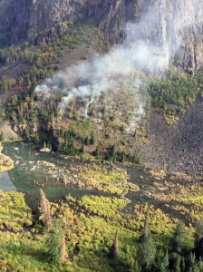 A photo of the Crow Pass Fire (#713) burning on Thursday, August 15, 2019. Photo by Mat-Su Forestry Helitack