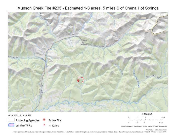 A map showing the location of the Munson Creek Fire located about 5 miles south of Chena Hot Springs Resort.
