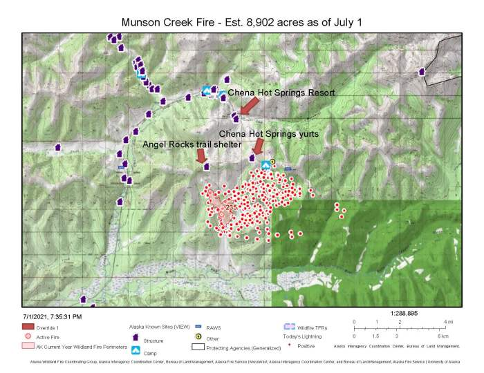 A map showing the location and perimeter of the Munson Creek Fire in relation to Chena Hot Springs Resort, the Angel Rocks Trail shelter and Chena Hot Springs Resort yurts.